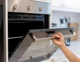 Oven repair by honolulu appliance repair.